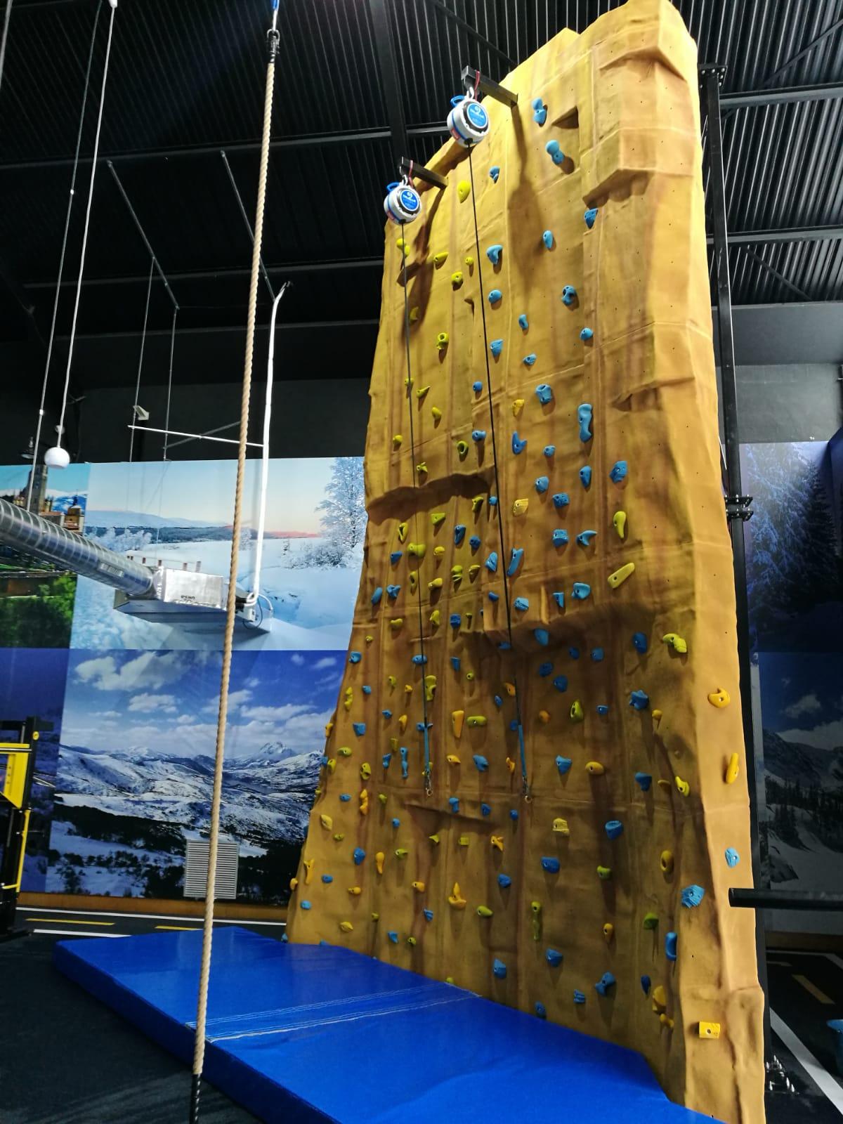 Rocódromo para aprendices de la escalada