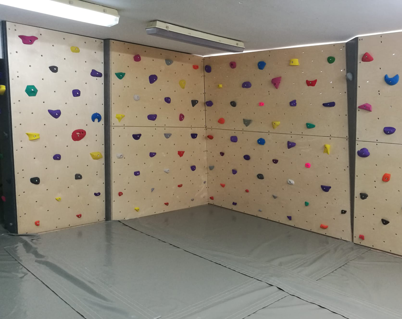 Coria estrena zona de escalada
